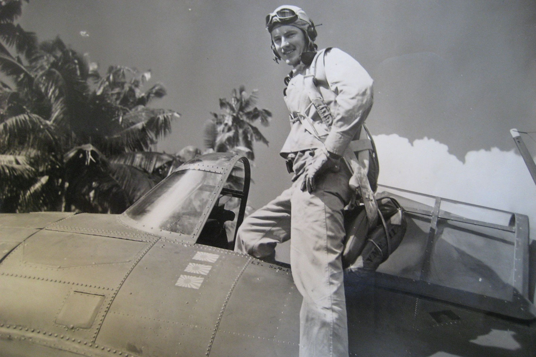 He's One of the Last Living WWII Marine Corps Pilots