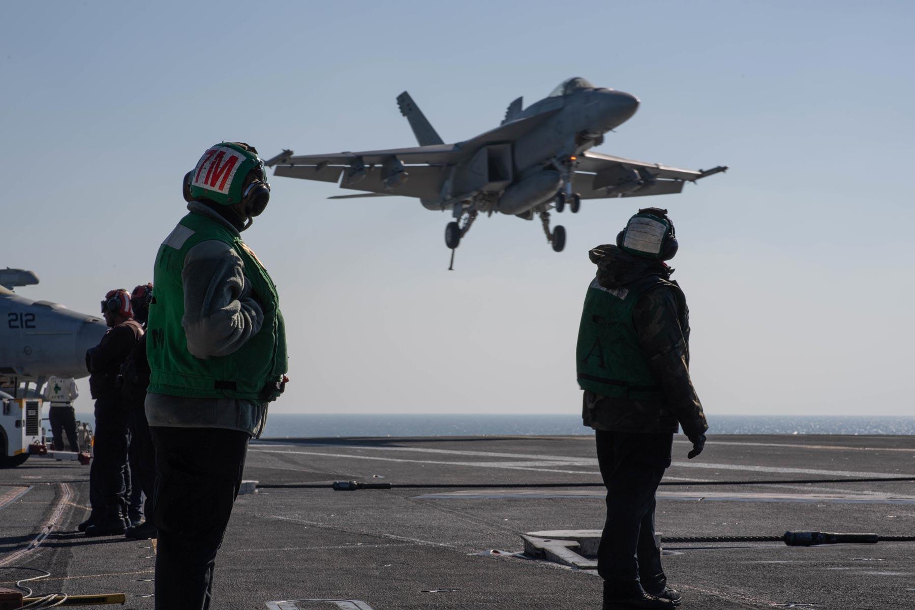 US Bolsters Forces in Region as Syria Withdrawal Begins
