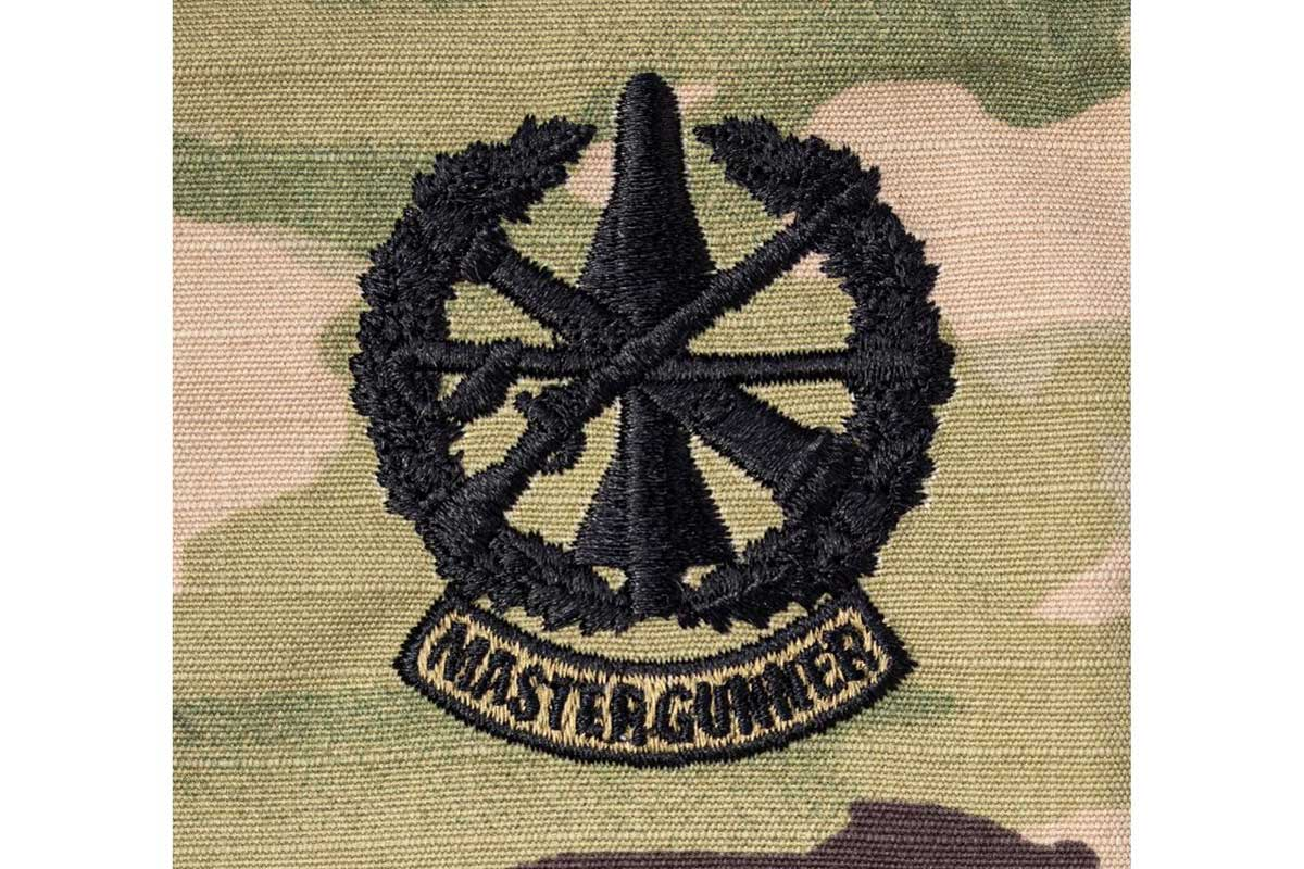 army awards first master gunner identification badges