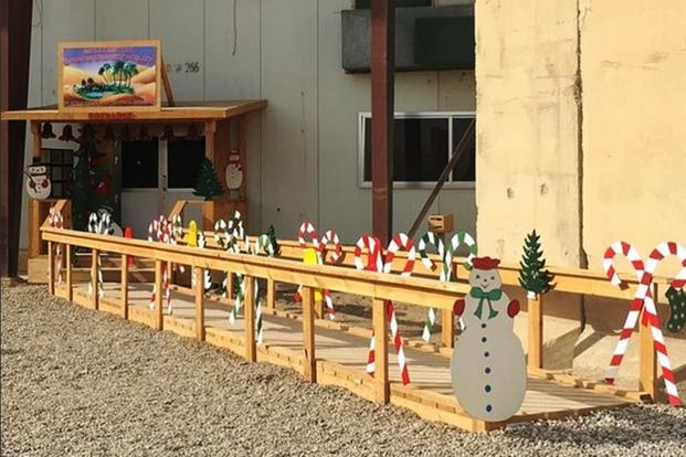 Think you're doing the holidays better than this festive chow hall at Al Taqqadum air base, Iraq? Unlikely. (Photo by Hope Hodge Seck/Military.com)