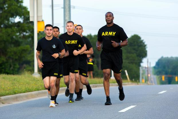 U.S. Army Paratroopers assigned to the 82nd Airborne Division runs in a Physical Readiness Training (PRT) section at Fort Bragg, North Carolina, June 25, 2018. (U.S. Army/Spc. Andrea Salgado Rivera)