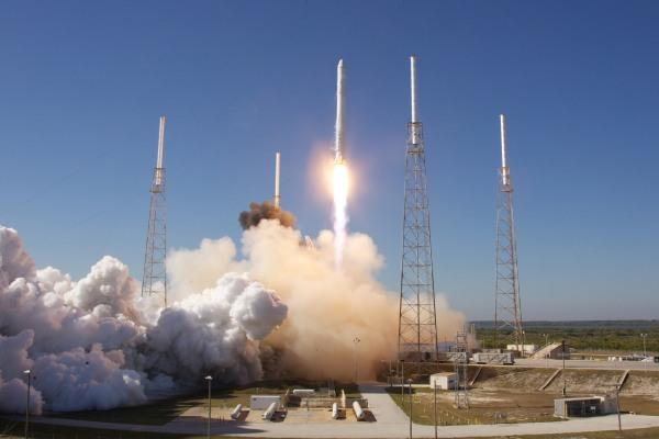 spacex wins air force gps iii satellite launch contract