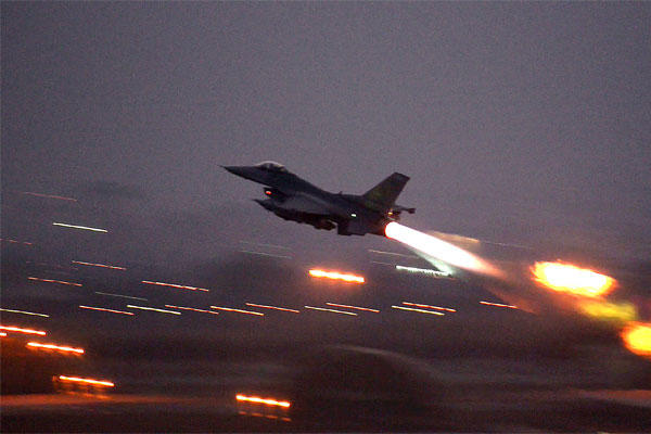 An F-16 Fighting Falcon takes off from Incirlik Air Base, Turkey in August 2015, en route to an air strike against terrorist forces in Syria. (US Air Force/Krystal Ardrey)