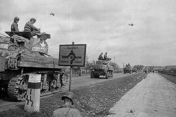 Tanks of the 11th Armored Division, Third U.S. Army, advance along the Autobahn near Frankfurt, Germany, March 31, 1945. (U.S. Army photo)