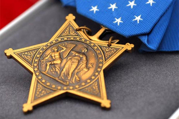 Medal of Honor (Photo: Navy)