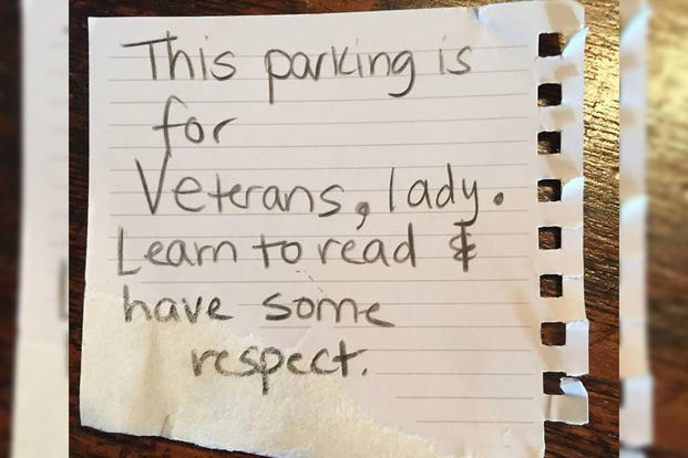 A note left on the windshield of Navy veteran Rebecca Landis Hayes' car. (Photo: Facebook/Rebecca Landis Hayes)
